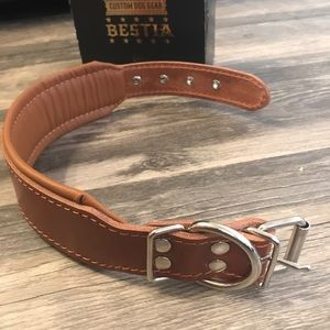 Bestia leather dog collar with soft leat